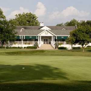 Hyde Park G & CC: #18 & clubhouse